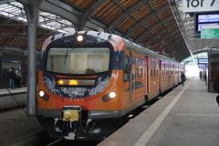 PR EN57-2005 , Wrocław Główny train station 31.01.2017 (szogun000) Tags: wrocław poland polska railroad railway rail pkp station wrocławgłówny ezt emu set electric en57 en572005 spot pr przewozyregionalne polregio train pociąg поезд treno tren trem passenger commuter regio 67413 d29132 d29271 d29273 d29276 d29285 d29763 e30 e59 dolnośląskie dolnyśląsk lowersilesia canon canoneos550d canonefs18135mmf3556is