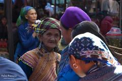 Chiacchiere da Mercato (Fabio Bianchi 83) Tags: bacha vietnam mercato market colori colors chiacchiere chatters chatting chiacchierare donne women asia travel viaggiare viaggio sudestasiatico southeastasia