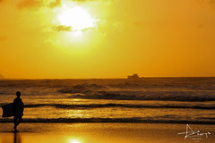 Atardece en Puerto Colombia (azharyshazbun) Tags: mar atardecer playa puertocolombia colombia atlantico naranja puesta de sol