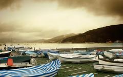 L'inverno ... (Augusta Onida) Tags: sestrilevante liguria italia italy mare sea barca boat tempesta storm cielo sky nuvola nubi cloud landscape panorama
