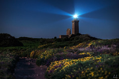 Le Cap a tenir ... (Ludovic Lagadec) Tags: night brittany bretagne breizh nuage nuit phare capfrehel bretagnenord