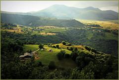Vue sur la valle de Chaudefour, Massif du Sancy, Puy-de-Dme, Auvergne, France (claude lina) Tags: france nature montagne paysage auvergne puydedme massifdusancy lesmontsdore lesmoneaux
