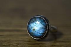 My Labradorite Ring (ladybird13420) Tags: macro ring labradorite pierre fine bois wood argent bague bleu nikon d5100 blue stone bijou jewel minéral silicate tectosilicate anorthite