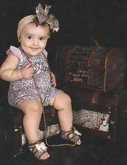 Rawr (Sarah Curi) Tags: baby bebê oncinha cute sarah curi fofo diva mini sarahcuri