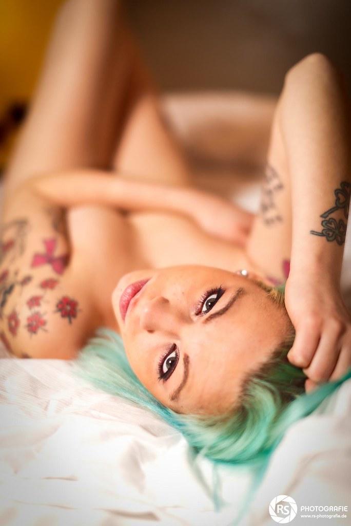 bh girl nackt
