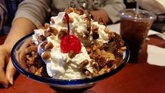 Brownie Overboard (Adventurer Dustin Holmes) Tags: redlobster dessert brownieoverboard dining springfieldmo springfieldmissouri icecream cherry cherryontop