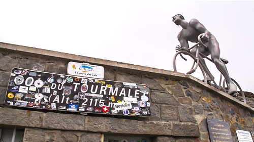 european_cycling_tours - Summit statue on Tourmalet