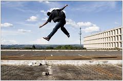 Herbert (LeonR.) Tags: brazil sky 20d topc25 brasília brasil canon eos jump fotolog céu salto herbert ministérios 2870mm topphotoblog