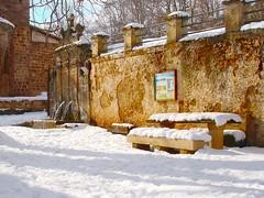 White Picnic (Ignacio Lizarraga) Tags: winter snow nieve fuente invierno larioja sonyp100 photophilosophy zyber valgañon