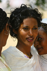 Woman in Keren Eritrea (Eric Lafforgue) Tags: voyage africa travel portrait people woman girl beauty female canon women femme canoneos20d fille tigre asmara massawa eritrea eastafrica aoi 0817 erytrea lafforgue erythre erythree asmera eritreia cushitic hagereertra italiancolony italianeastafrica irtriy   ericlafforgue lafforguemaccom mytripsmypics ertra ericlafforgue    eritre   rythre eritreja eritria africaorientaleitaliana