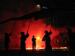 La noche del dragn (rayo de sol) Tags: lafotodelasemana fire fireworks gijn streetshow thtrederue streetperformance rayodesol lfscontraluces
