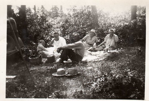 Picnic - Vintage Photography by Tobyotter.