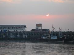 Ferry Wharf 007 (Sanjay Shetty) Tags: ferry wharf bhaucha dhakka