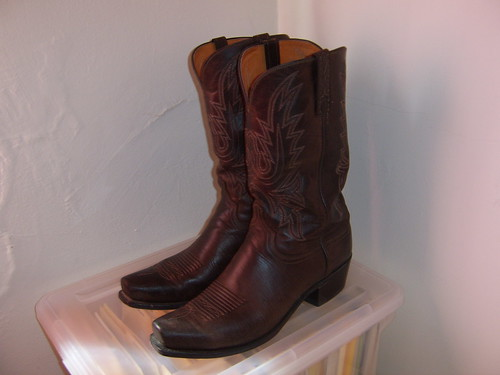 cowboy boots lucchese