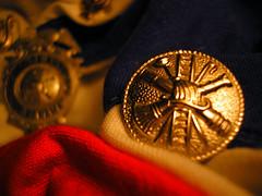 el benemrito (wakalani) Tags: silver golden flag olympus badge tricolor panama vistas bomberos firefighters olympusfe120 wakalani lovephotography cuerpodebomberosdepanama benemritocuerpodebomberos banderadepanama masvistas utatafeature