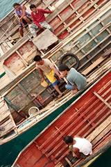 temper (Farl) Tags: wood travel people colors boat taxi muslim philippines sulu tradition watertaxi mindanao temper tawitawi samal tumindao sitangkai