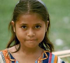 Yamdena/Tanimbar (Franc Le Blanc .) Tags: girl portraits asia child portret maluku yamdena molukken zuidoostmolukken anakanak