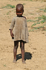 Poor girl (imanh) Tags: poverty africa portrait girl child arm kenya poor kind afrika kenia meisje iman armoede heijboer imanh