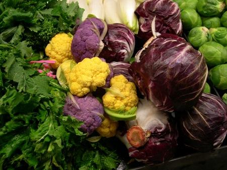 紫色和黃色花椰菜