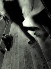 Dans l'escalier au Sacr-Cur (O Caritas) Tags: 2005 november paris france church europe ledefrance cathedral montmartre sacrecoeur sacrcoeur basiliquedusacrcoeur sacrcur nikoncoolpix8800 basiliquedusacrecoeur sacrecur onthestepsofsacrcoeur basiliquedusacrecur