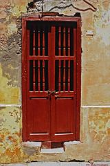 VeraCruz64door (Zzzzt!Zzzzt!) Tags: door entrance doorway doorsandwindows pentaxkx doorseries veracruzmexico kodachrometointerneg