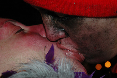 kissing pirate boyfriend and girlfriend8-1web.jpg