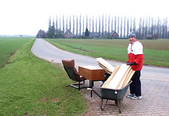 plankies (ei) Tags: huis house home thuis nederland holland veluwe terwolde netherlands kruiwagen wheelbarrow vader papa daddy father