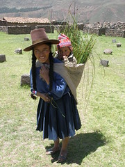 Andean woman with child (quinet) Tags: woman baby peru child sling andes sombrero nino peasant перуанцы