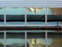 j reflecti (*L) Tags: reflection window gua wall lago expo lisboa janela reflexo parede parquedasnaes quadradinhos quadrados presidenciais quaquadradradidinhosnhos