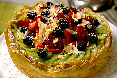 Pretty Phyllo Fruit Tart | Sleeping Kitten-Dancing Dog!