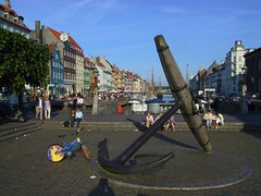 0108-bike_in_nyhavn (aisipos) Tags: travel copenhagen denmark nyhavn
