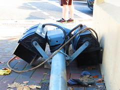 Knocked over traffic light pedestal! - Cnr North Tce/Hackney Rd, Kent Town (RS 1990) Tags: june lights traffic pedestrian signals adelaide intersection friday flattened 12th southaustralia cnr pedestal 2015 knockedover northtce hackneyrd kenttown