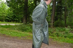 Rubberist in olive (lulax40) Tags: fetish rubber latex hunter rubberboots rainwear hunters regenkleidung rubberist hunterboots rubberslave
