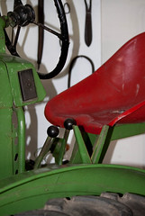 Tractor . . . (willem_huwae) Tags: tractor museum canon schaduw centrum limburg boerderij knoppen wiel zetel stuur nuth 50d activiteiten schimmert hendels willemhuwae