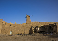 Old Adobe Houses, Isfahan Province, Kashan, Iran (Eric Lafforgue) Tags: history horizontal architecture outdoors photography ancient asia day iran persia bluesky nobody nopeople adobe copyspace orient kashan kachan  buildingexterior oldruin  colourimage  iro isfahanprovince  builtstructure  iran150614