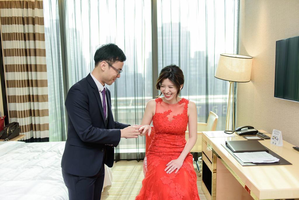 Wedding day-0012 ,僑園婚攝,台中僑園,僑園婚宴,新秘Alice ,婚攝小勇,台北婚攝, 小淑造型團隊