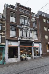 Nijmegen, Stikke Hezelstraat (Jan Sluijter) Tags: nijmegen gelderland nederland holland visitholland city cityscape stikkehezelstraat