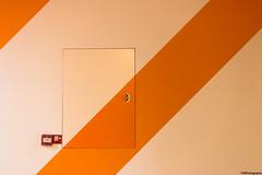 diagonal #3 (fhenkemeyer) Tags: streifen stripes orange diagonal museum gemeentemuseum nl thehague denhaag