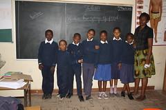 Nieuwe truien voor de Tumaini klas