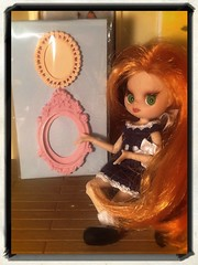 Blythe-a-Day August#11 Mail Day Part 3: Ginnie Admires The New Frames