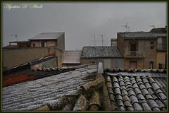 Neve sui tetti del mio paesello - Gennaio-2017 (agostinodascoli) Tags: cianciana sicilia nikon nikkor tetti neve paesaggi landscape inverno gennaio