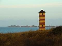 defend the land (LukasRoth97) Tags: natur nature natürlich niederlande netherland holland dünen düne see sand wandern wanderung wander wiese gras grün kalt meer sea leuchtturm gräser wasser wellen winter urlaub