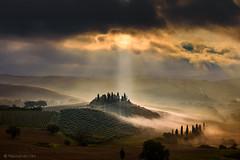 Belvedere (Olmux82) Tags: toscana belvedere italy sunrise nikon d750 sun clouds val dorcia sunlight tuscany landscape panorama san quirico mist misty farmhouse sky cloud alba cielo ray