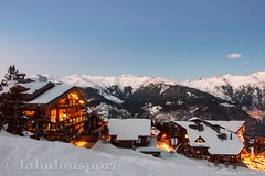 Evening mountain chalets view (Fabrizio Malisan Photography @fabulouSport) Tags: tourisme tourism turismo france rhonealpes savoie 3valleys 3vallees night evening scenery panoramic panorama nieve neve neige alpin alpen alpes frenchalps skiresort skiresorts snow travel chalet architettura architecture winter inverno montagne montagna montagnes mountains mountain luxury alpine alps courchevel chalets