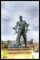 IMG_0002 Merchant Navy Memorial (scotchjohnnie) Tags: statue canon memorial southshields canoneos hdr tynewear northeastengland photomatix merchantnavymemorial canonef24105mmf4lisusm canon7dmkii scotchjohnnie