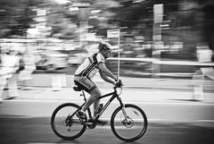 Alfredo Ayuso (A.Ayuso) Tags: madrid street españa calle spain nikon noiretblanc candid streetphotography urbana streetphoto z schwarzweiss callejeando streetshot candidphoto strase callejeros