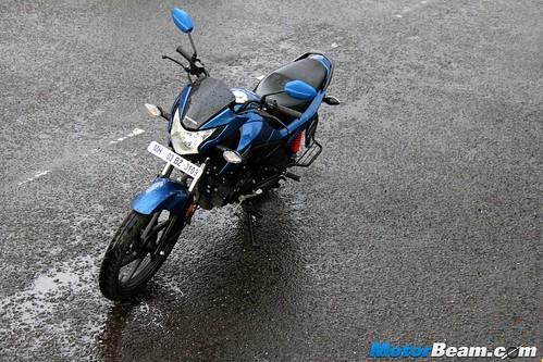 2015-Honda-Livo-25