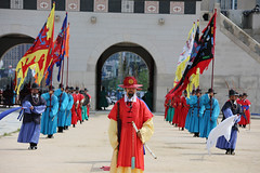 IMG_4635 (Cheguevara327) Tags: travel colorful asia traditional inspection guard band royal korea changing seoul soldiers archers guards southkorea troops dynasty gyeongbokgung joseon swordsman