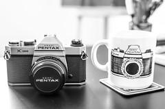 Pentax K-1000 (Fabiano Silva Fotografia) Tags: pentax k1000 antiga coffee caneca