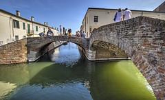 COMACCHIO. PONTE DEGLI SBIRRI. (FRANCO600D) Tags: comacchio canale ponti emiliaromagna italia italy italie italien bellitalia turismo turisti pontedeglisbirri città arcata canon eos600d sigma franco600d case